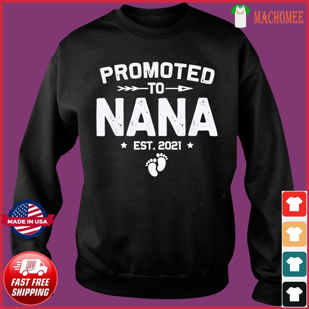 Vintage Promoted To Nana Est 2021 New Mom T-Shirt Sweater